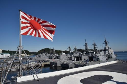 2017-9-30護衛艦いずもの旭日旗