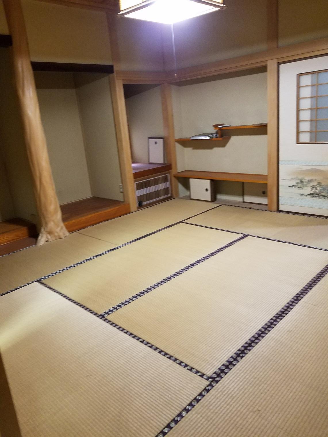 和室8帖(床の間)2