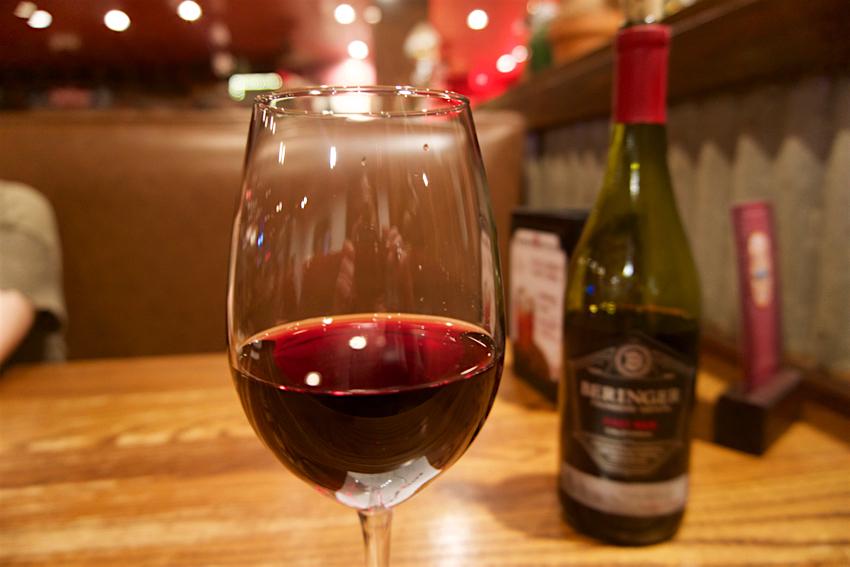 心配ないさ GUAM 2日目 ローンスターステーキハウス 赤ワイン