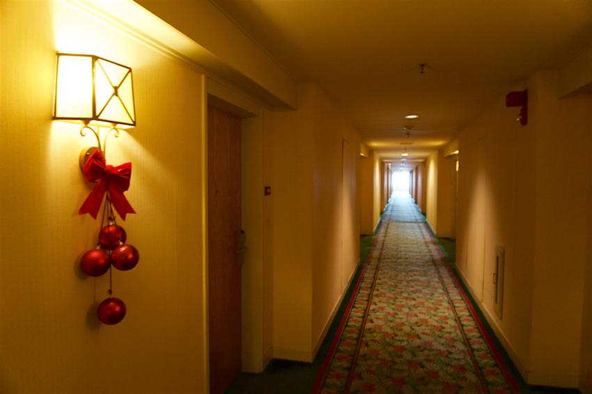 心配ないさ GUAM 2日目 パシフィックスターホテル 廊下