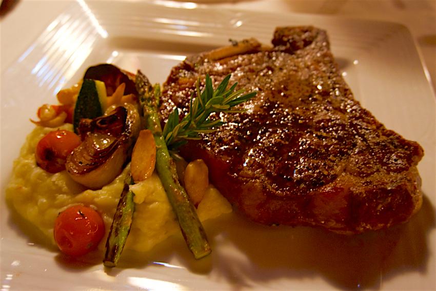 心配ないさ GUAM 3日目 Manhattan SteakHouse Dry Aged Angus Beef Prime Porterhouse1