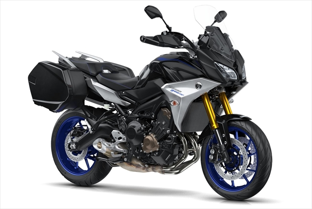 2018-Yamaha-MT09TRGT-EU-Midnight-Black-Studio-001.jpg