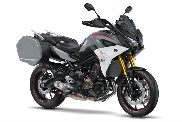 2018-Yamaha-MT09TRGT-EU-Nimbus-Grey-Studio-001.jpg