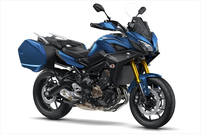2018-Yamaha-MT09TRGT-EU-Phantom-Blue-Studio-001.jpg
