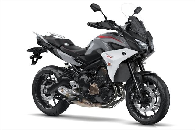 2018-Yamaha-Tracer-900-EU-Nimbus-Grey-Studio-001.jpg