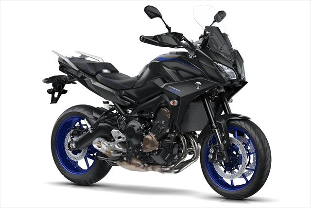 2018-Yamaha-Tracer-900-EU-Tech-Black-Studio-001.jpg