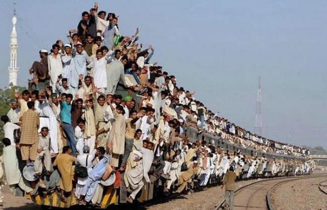 100人乗り電車 トラック