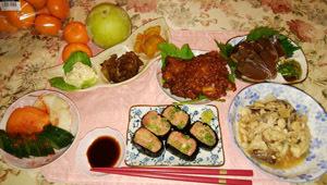 マグロ寿司 鯛あら煮 あげ過ぎ鶏 鰹タタキ 煮物とポテサラ
