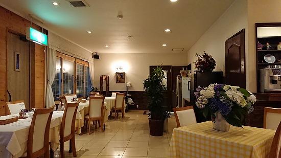 カンパーニュ食堂