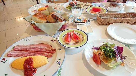 カンパーニュ朝食