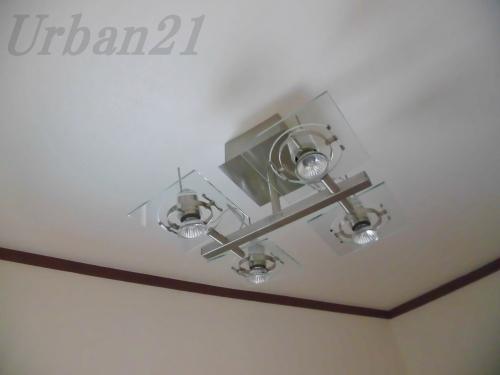 ハッピーBフラットハウス 玄関照明