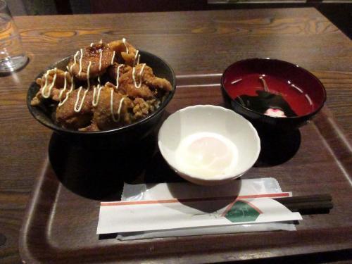 大須唐揚げ丼と半熟玉子