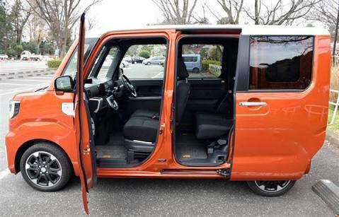 最近の軽自動車のドアの厚みってすげえな※画像あり