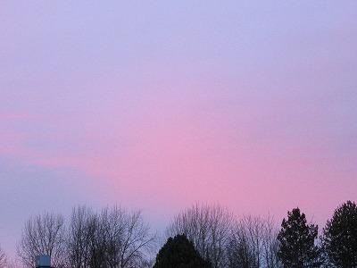 ピンクとブルーの空