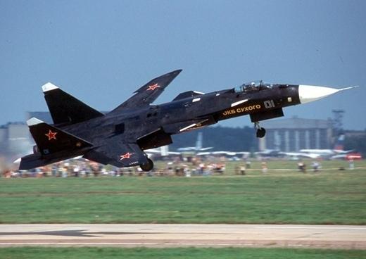 Su-47ベールクト-001