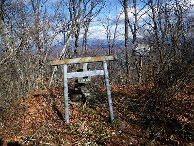 笹塒山頂上の祠