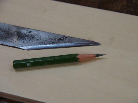 PC090030 鉛筆削れる