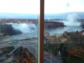 IMG_6058ホホテルの窓からの眺望
