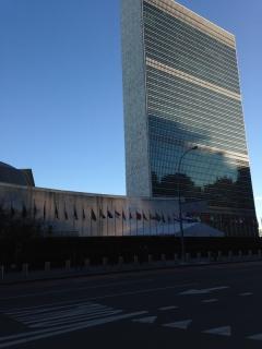 国連総本部へ