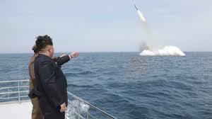 北朝鮮潜水艦ミサイルか