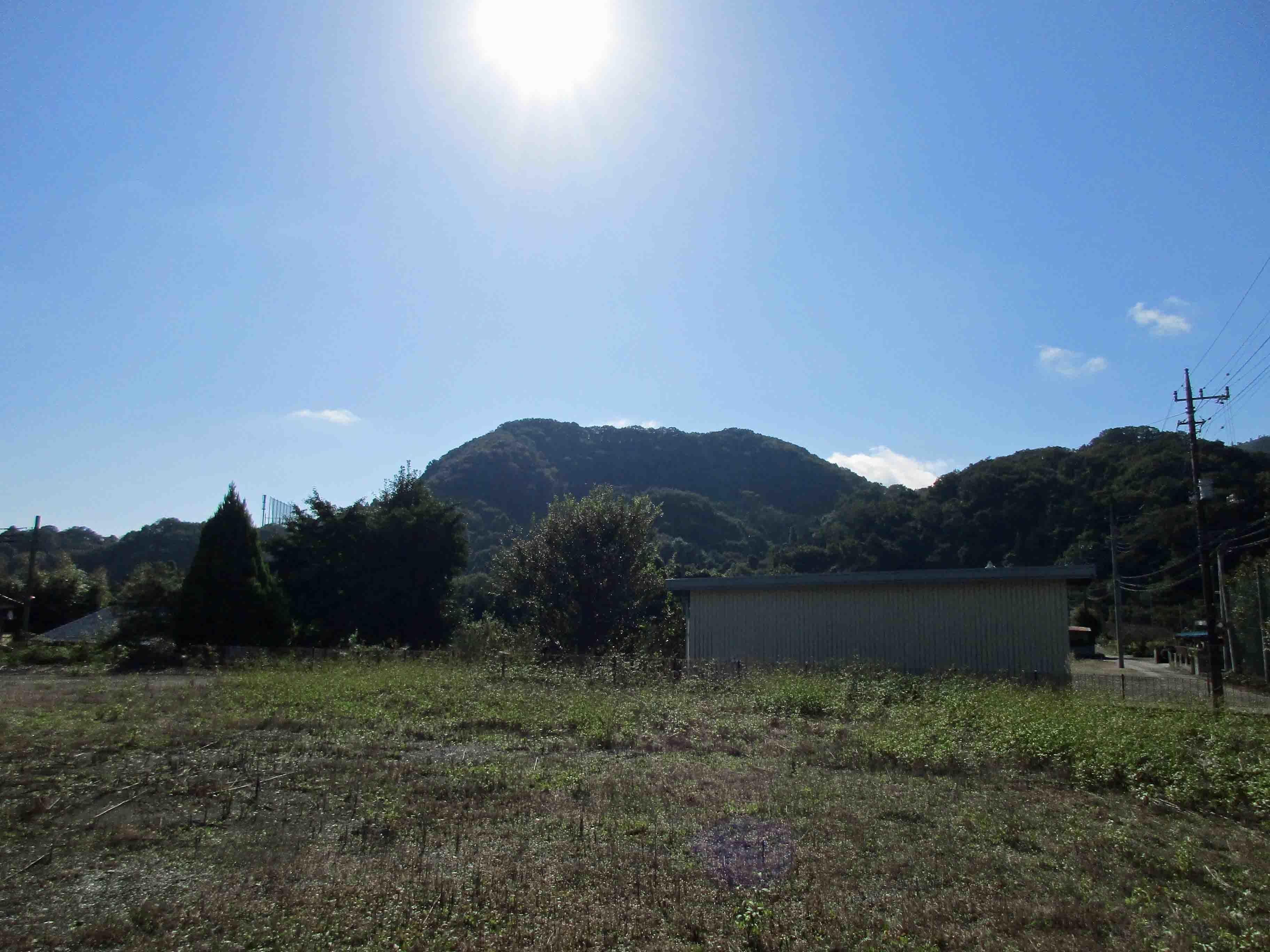 平井金山から見た天屋城