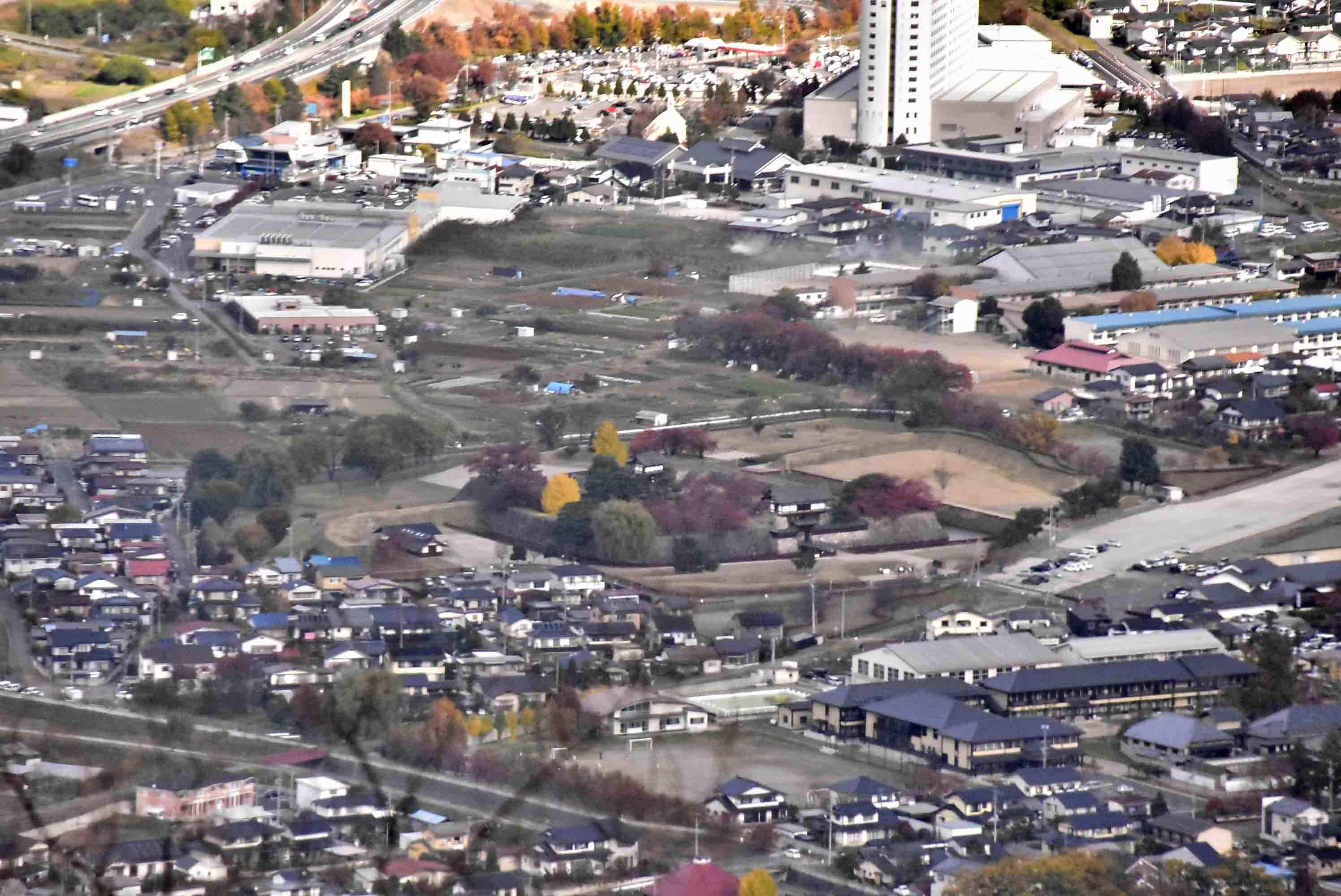 鞍骨城 山頂から見た海津城