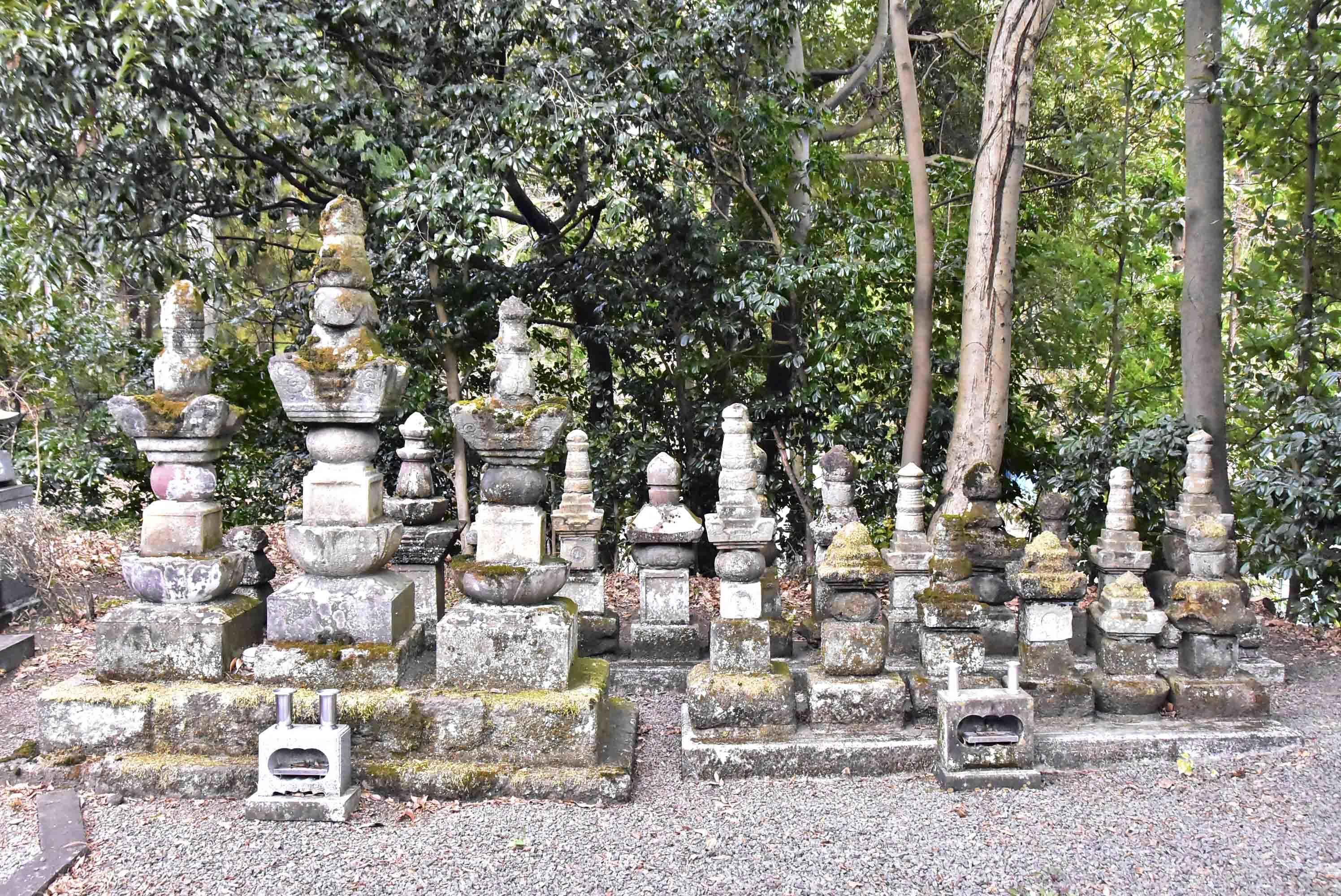 高田氏墓所 2