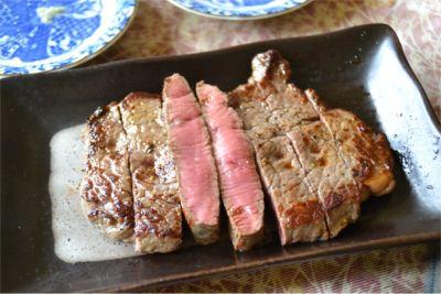 低温調理したステーキ
