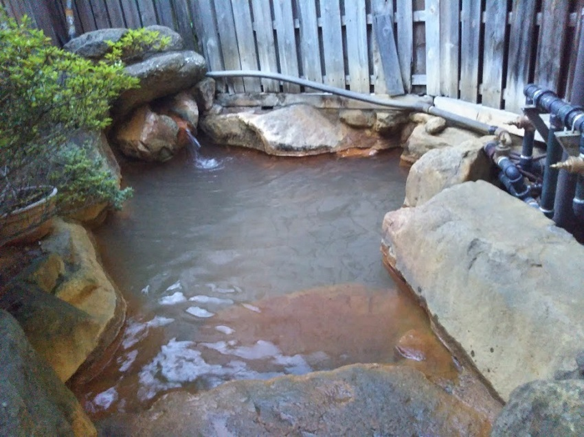 栄太郎 本館大浴場 露天風呂