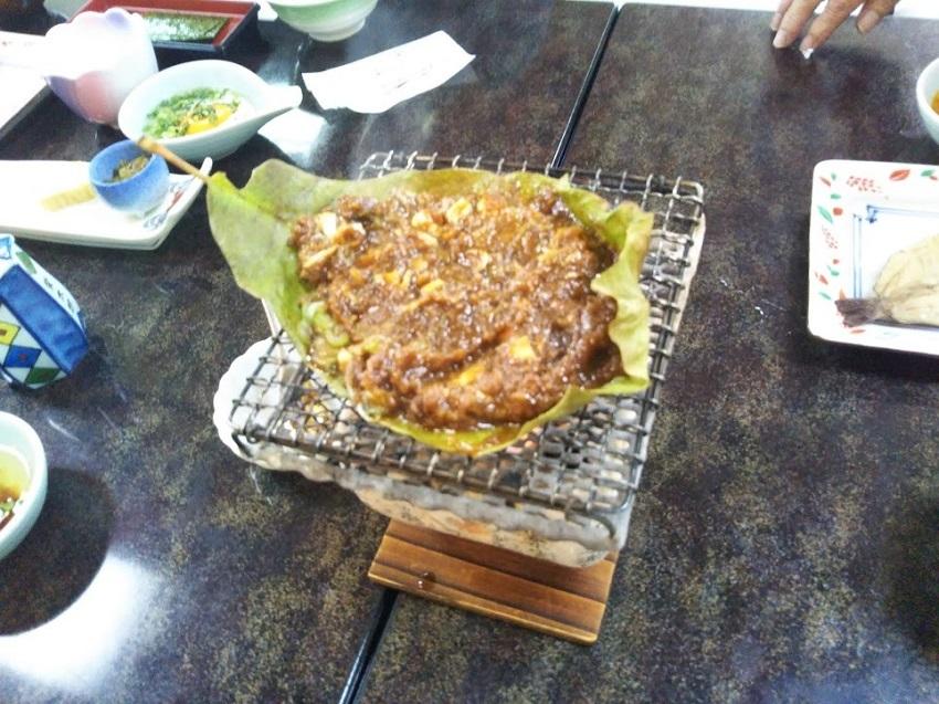 栄太郎 朝食料理 朴葉味噌焼き
