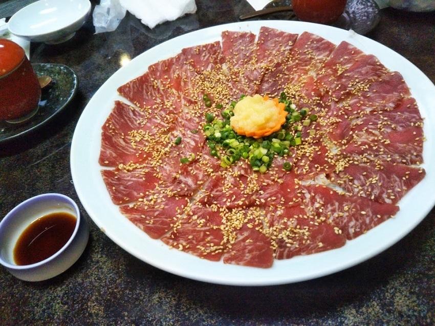栄太郎 夕食料理 桜肉刺身(馬刺し)4人前