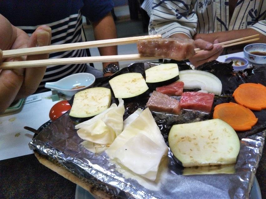 栄太郎 夕食料理 飛騨牛ステーキ 焼きあがり