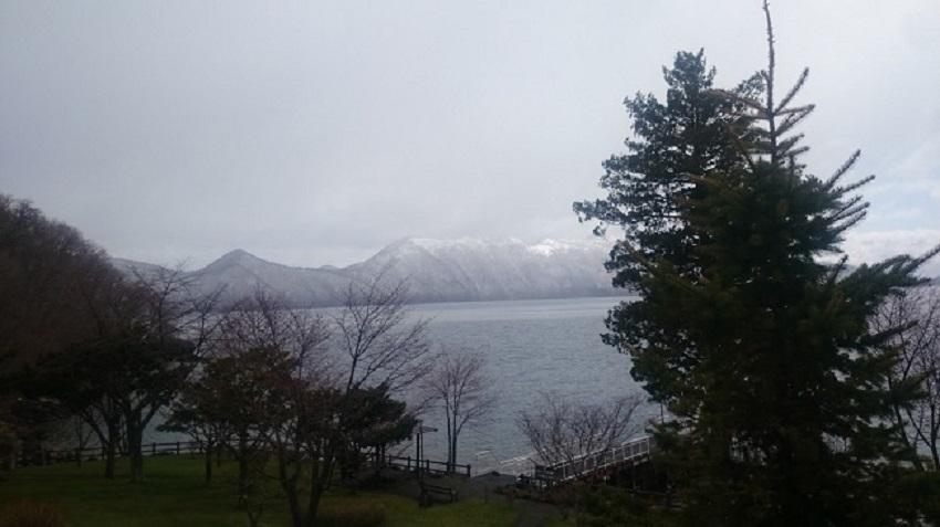 支笏湖 雪化粧
