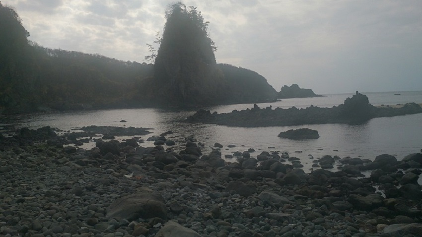 巌門 鷹巣岩