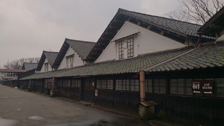 山居倉庫 倉庫群