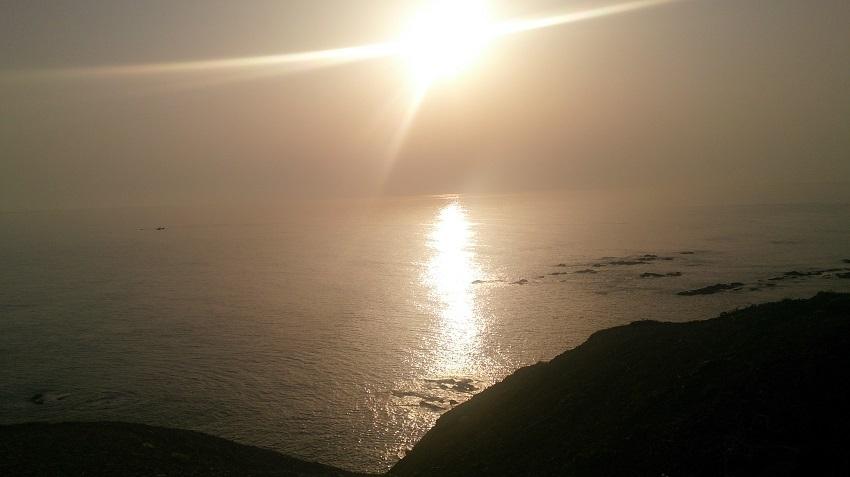 襟裳岬 岩礁 夕日