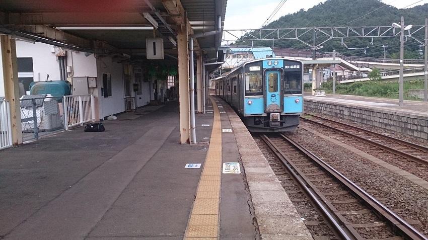 浅虫温泉駅 列車
