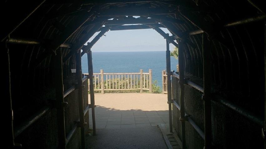 積丹半島 島武意海岸 トンネル3