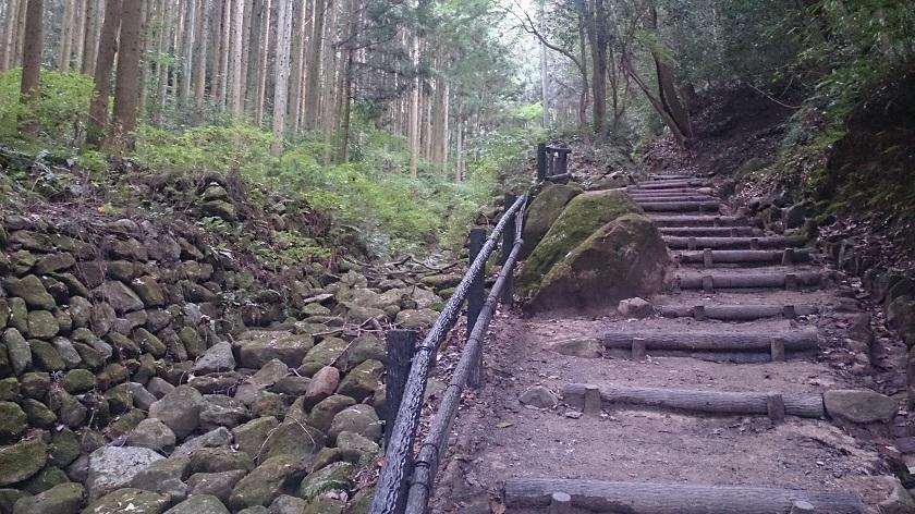 熊野摩崖仏 山道2