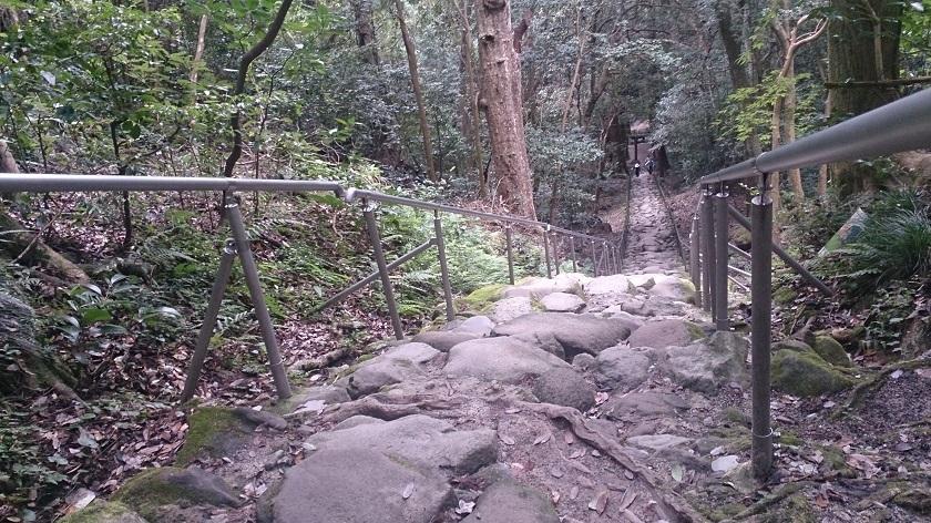 熊野摩崖仏 鬼の石段3
