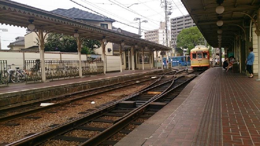 道後温泉駅ホーム