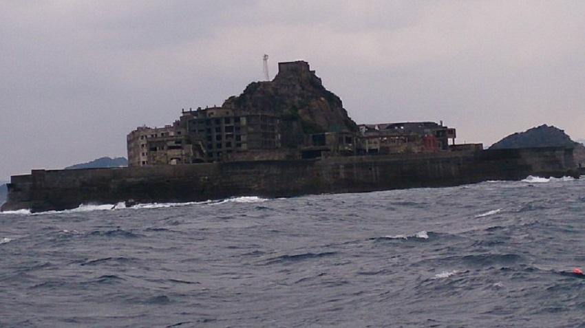 軍艦島 接近2