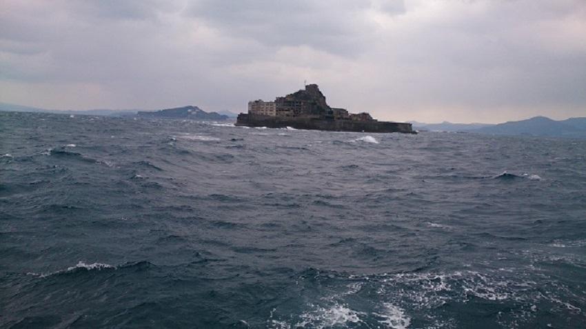 軍艦島 接近1