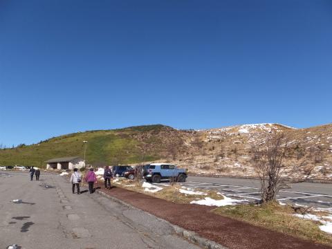 白根山の駐車場