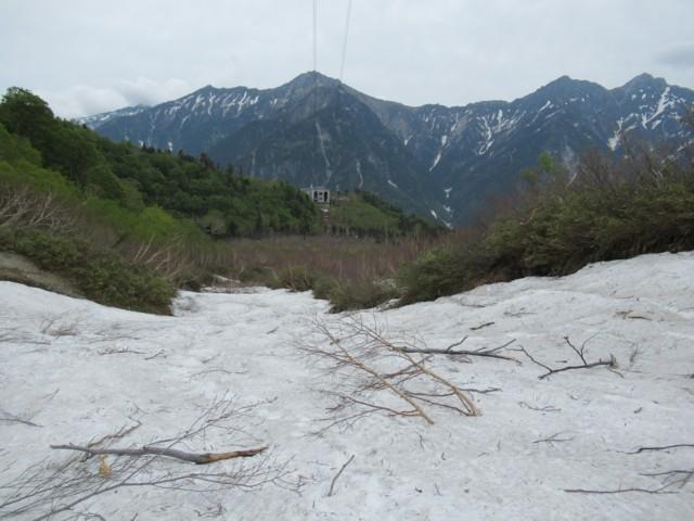 6月18日 雪渓末端まで滑る