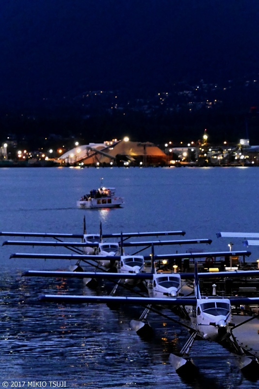 絶景探しの旅 - 0376 夜の帳の降りる水上飛行艇駐機場 (カナダ バンクーバー)