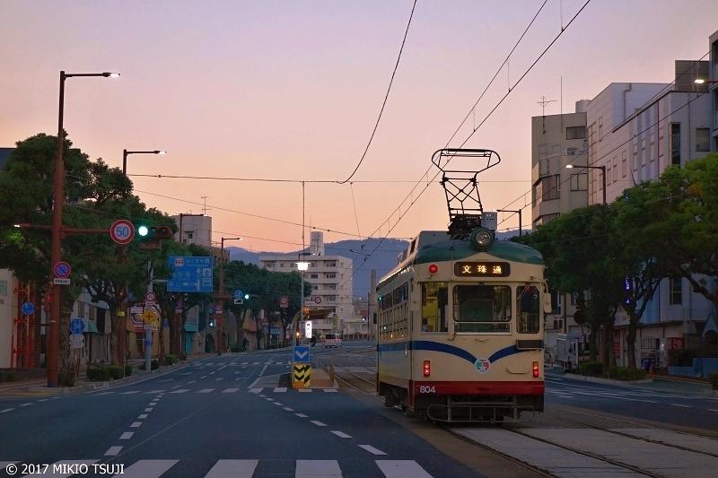 絶景探しの旅 - 0405 夜明けの土佐路を行く「とさでん交通」路面電)