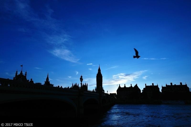 絶景探しの旅 - 0419 蒼い朝 (ウエストミンスターブリッジ 英国 ロンドン)