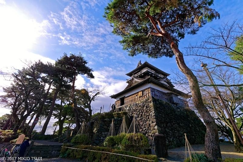 絶景探しの旅 - 0433 冬準備の丸岡城 (福井県 丸岡町)