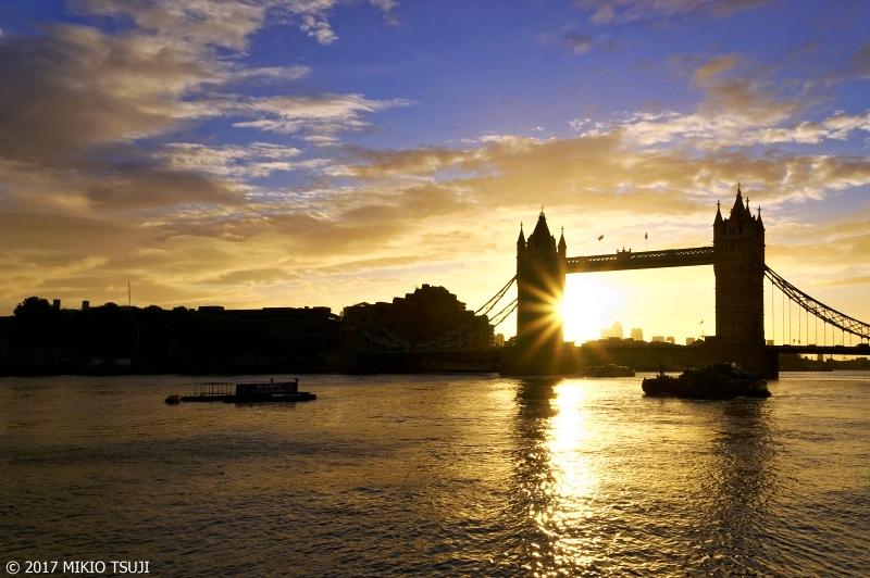 絶景探しの旅 - 0440 朝日に輝くタワーブリッジ (英国 ロンドン)
